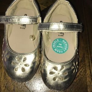Other - Brand new toddler shoes size 5